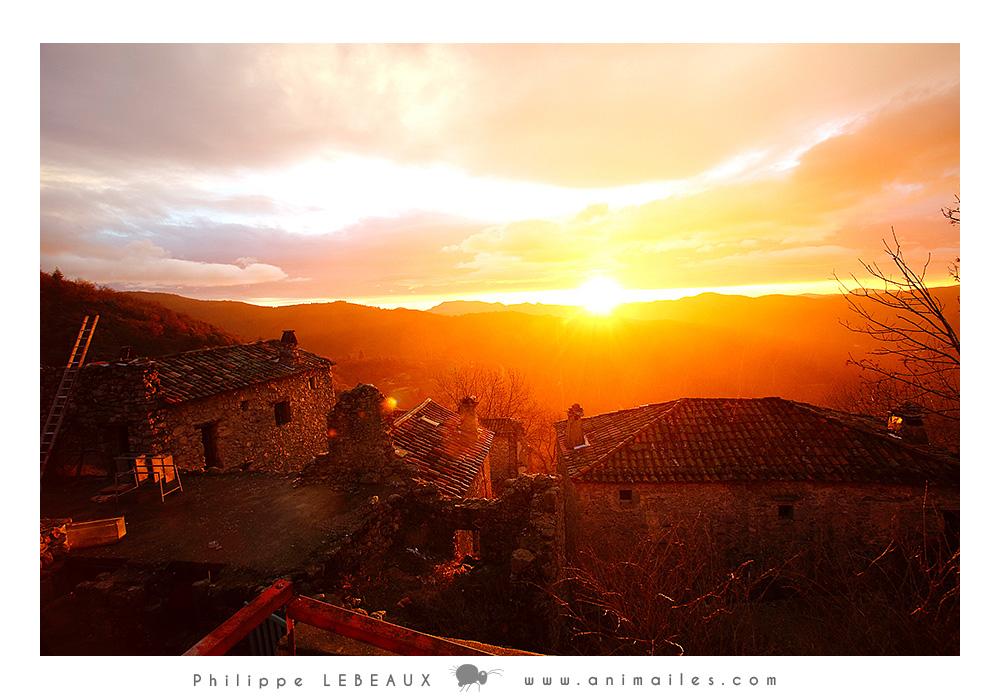 """Lever de soleil photographié depuis le balcon de la maison """"Marie"""""""