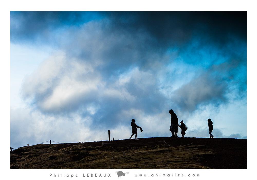 Famille sur une coline