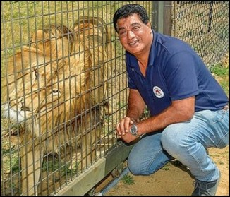 Amir Khalil with lion