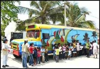 Parrot bus. (Fundacion Pro-Aves photo.