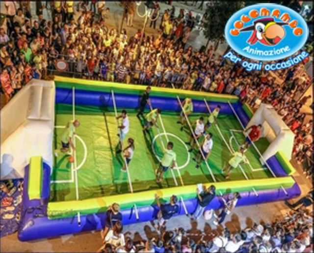 gonfiabile Calcio Balilla umano