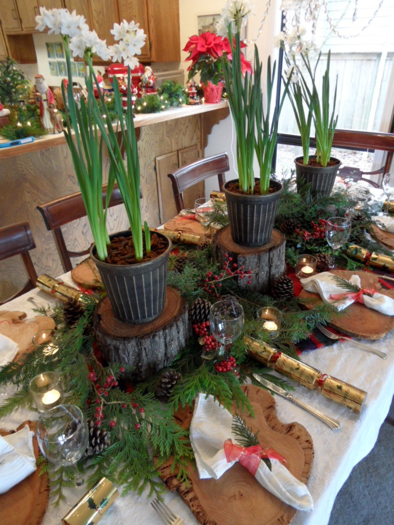 Simple Farmhouse Spring Tablescape | Spring kitchen decor ...