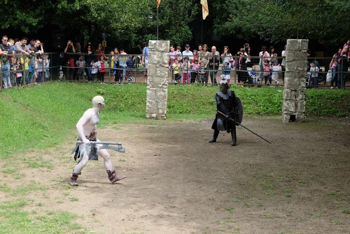 arena dei guerrieri al fantastico mondo del fantastico al castello di lunghezza
