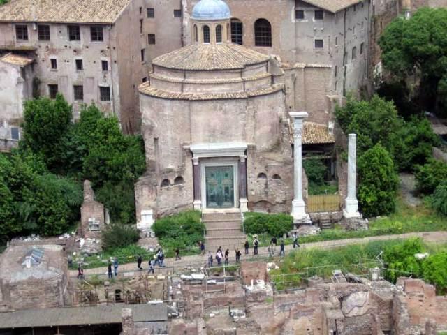 basilica-dei-santi-cosma-e-damiano-roma