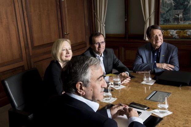Συναντήσεις Τσίπρα με πολιτικούς αρχηγούς την Δευτέρα για το Κυπριακό