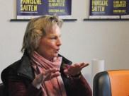 Monika Dürger vom ObdachlosenKaffee St. Reinoldi wird die Veranstaltung zusammen mit Georg Deventer moderieren. Außerdem sammelt sie Spenden für die Veranstaltung. Gerne dürfen Besucher auch einen höheren Preis für die Eintrittskarten zahlen, damit auch ärmere Menschen an der Veranstaltung teilnehmen können.