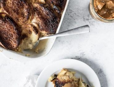 Brødbudding (bread pudding) med æbler og dulce de leche