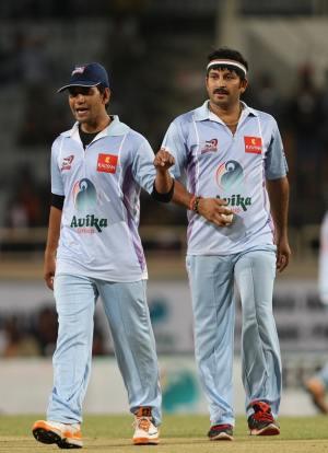 cricketers-Manoj-Nirahua