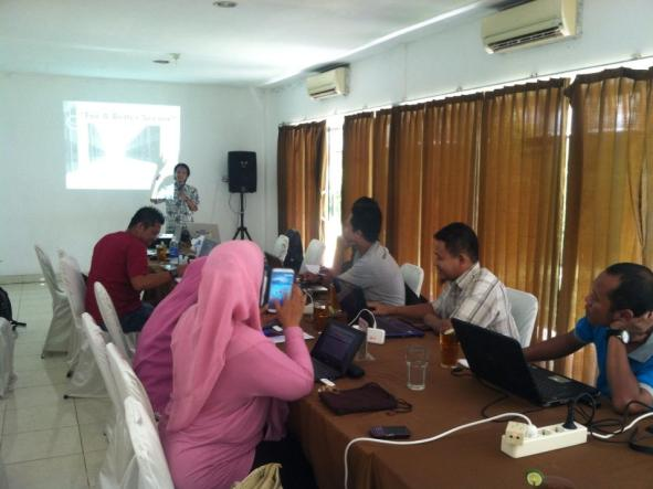 Slide presentasi Seminar Internet Marketing Solo Anjrah AnjrahWeb