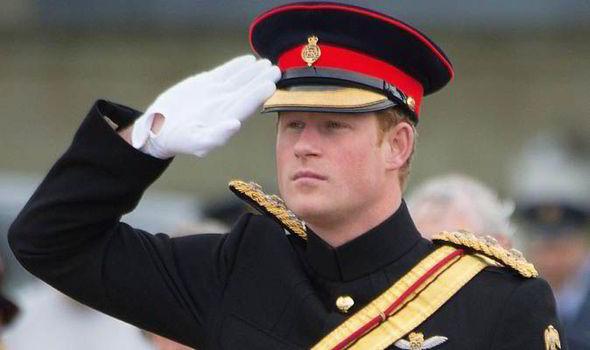 Onlar da Kraliyet ailesinden ama hepsi sıcak bölgelerde asker
