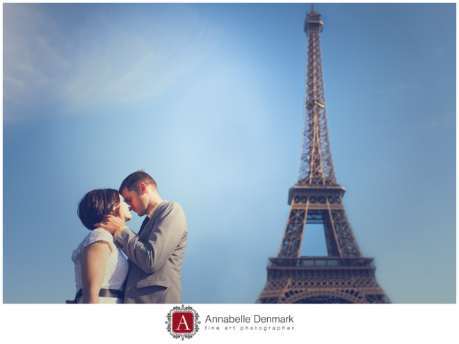 Warm day, perfect blue sky and Eiffel Tower. the perfect recipe for a romantic wedding