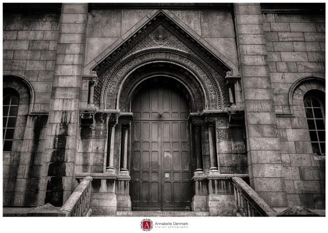 Sacre coeur side door