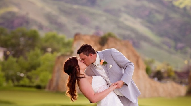 Abby + Brett : A Gorgeous golf course wedding in Golden, CO