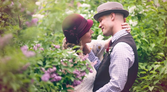 """Amber and Jon, a """"hat"""" Wedding in Colorado's Foothills"""