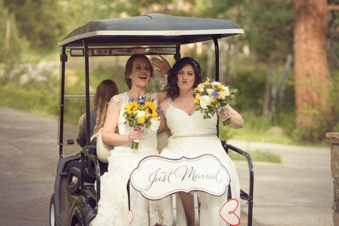 wedding ceremony exit, golf cart, just married