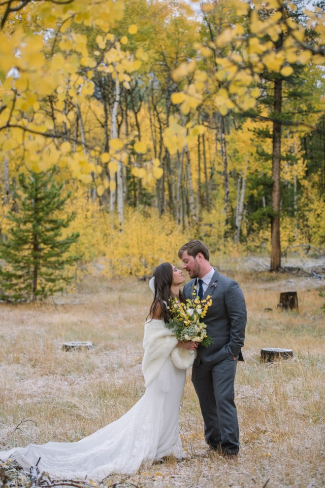 groom and bride in the yellow aspens