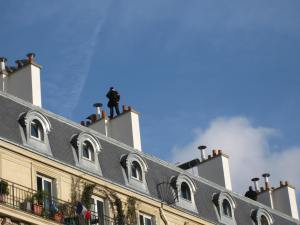 Police sniper, Boulevard Voltaire