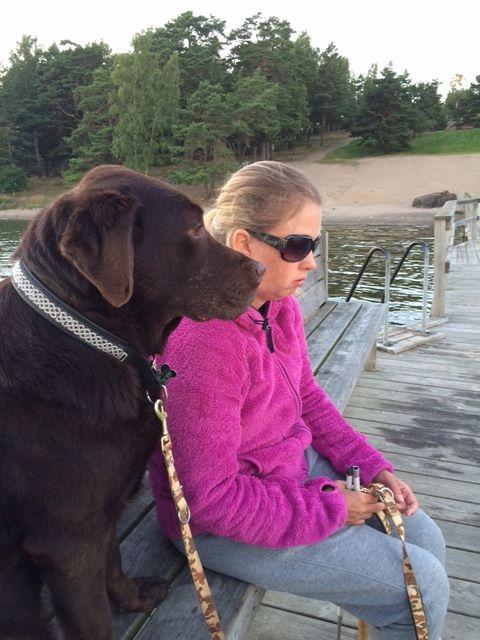Bild på Anna och Duncan på bryggan
