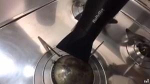 asciugare con un phon il punto di contatto con l'accensione