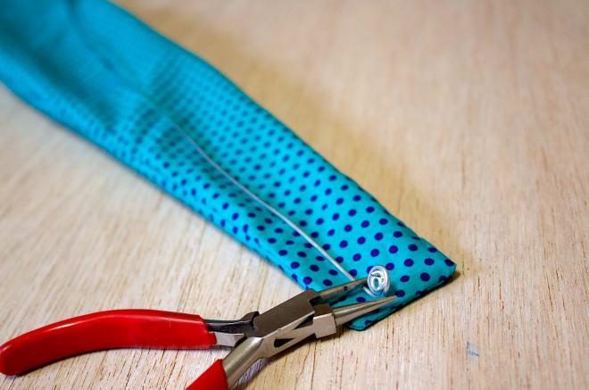 modellate il filo metallico da inserire all'interno della fascia