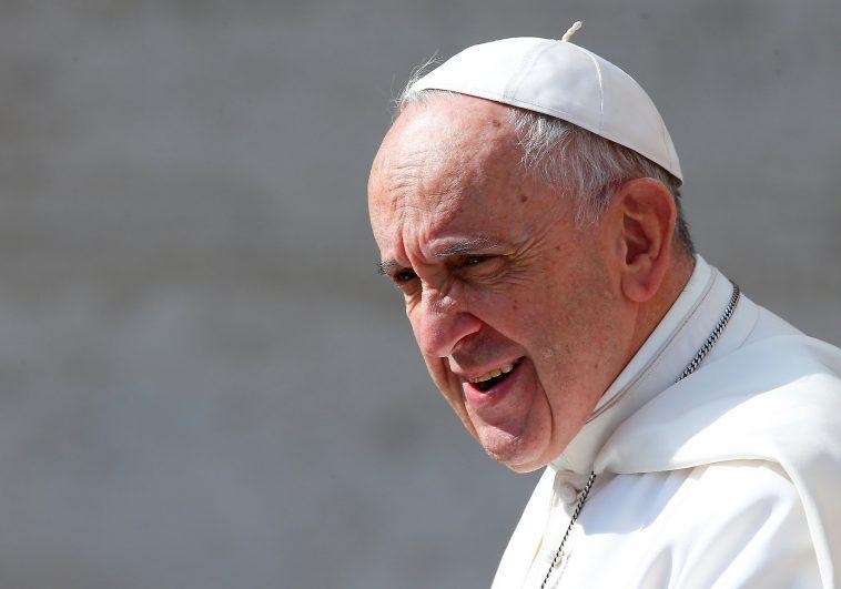 Papa Francesco, la preghiera crea un legame con Dio