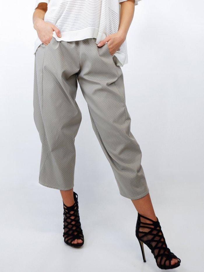 pantaloni comfort fit grigi con micro quadri