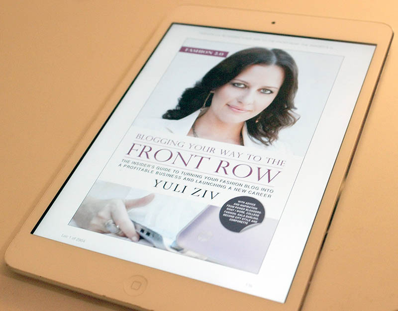 4 Must-Have Books To Read On Your Tablet