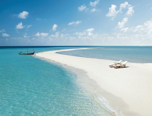 Four_Seasons_Resort_Maldives_at_Landaa_Giraavaru
