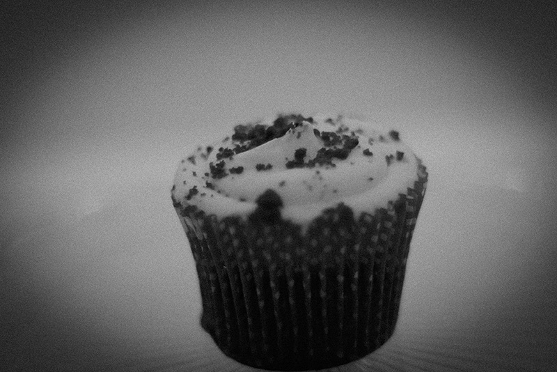 the poisonous bloody velvet cupcake
