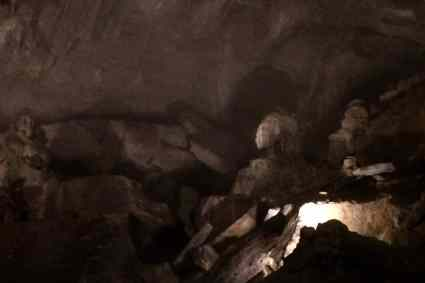 Penn's Cave Boat Tour - Limestone Formations