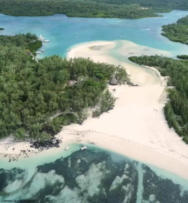 The white beach of the iles aux cerfs mauritius