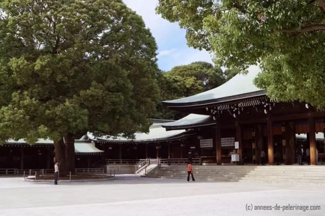 The main complex (prayer hall) at meiji shrine in tokyo