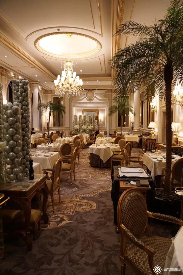 Le Cinq - a fabulous 2 Michelin Star Restaurant in Paris