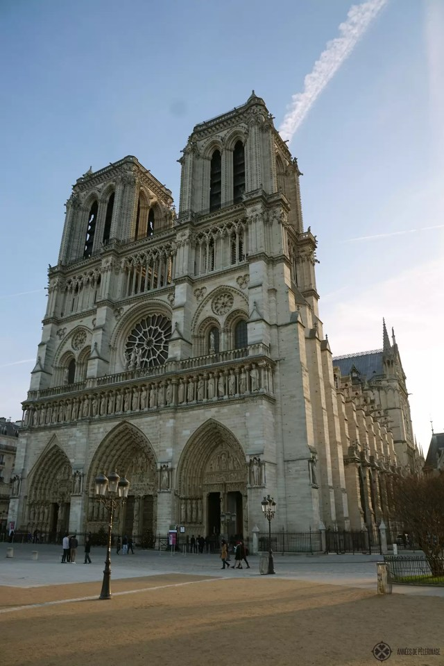The outstanding fasade of Notre-Dame de Paris in the early morning