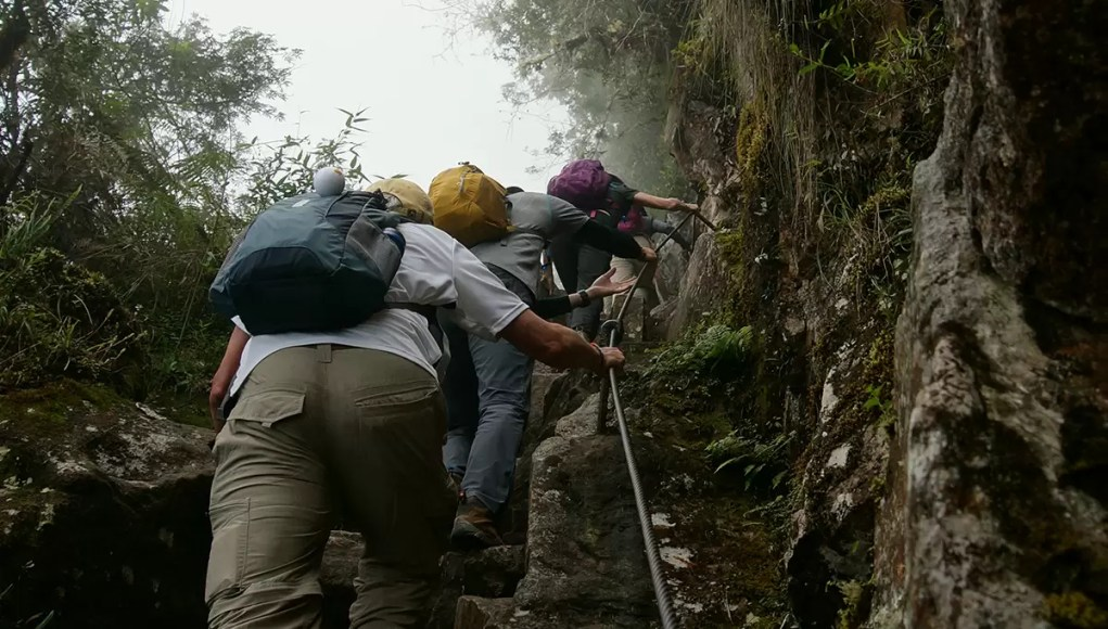Hiking the sairs of death of Huayna Picchu