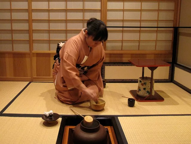 Watching a japanese tea ceremony in Kyoto, Japan