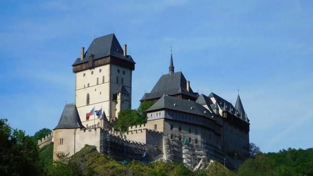 Karlštejn Castle near Prague and a beautiful day trip