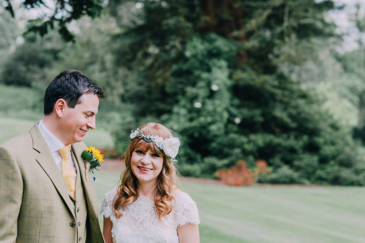 ettington-park-bride-watters-twoo-lace-sunflowers