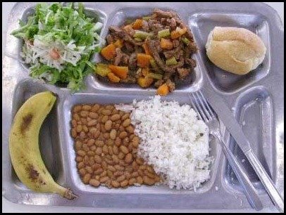 school lunces around the world/ Brasil: Childrens school lunch
