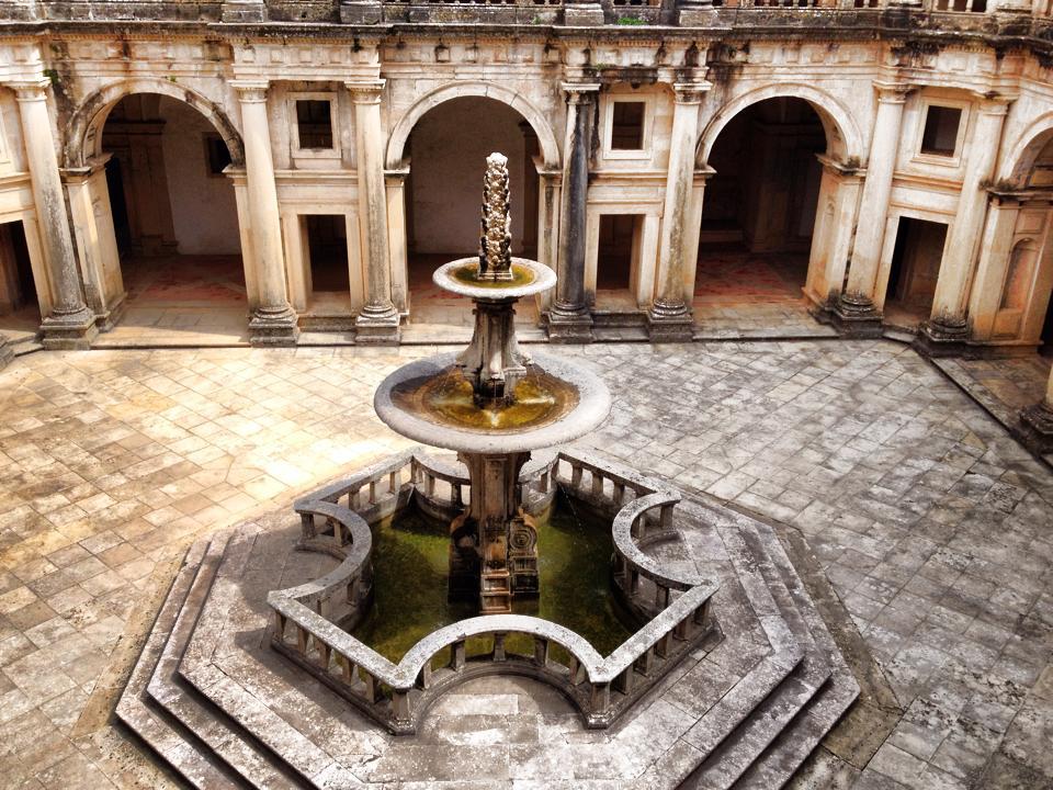 Fontain inside the Covento de Cristo in Tomar, Portugal
