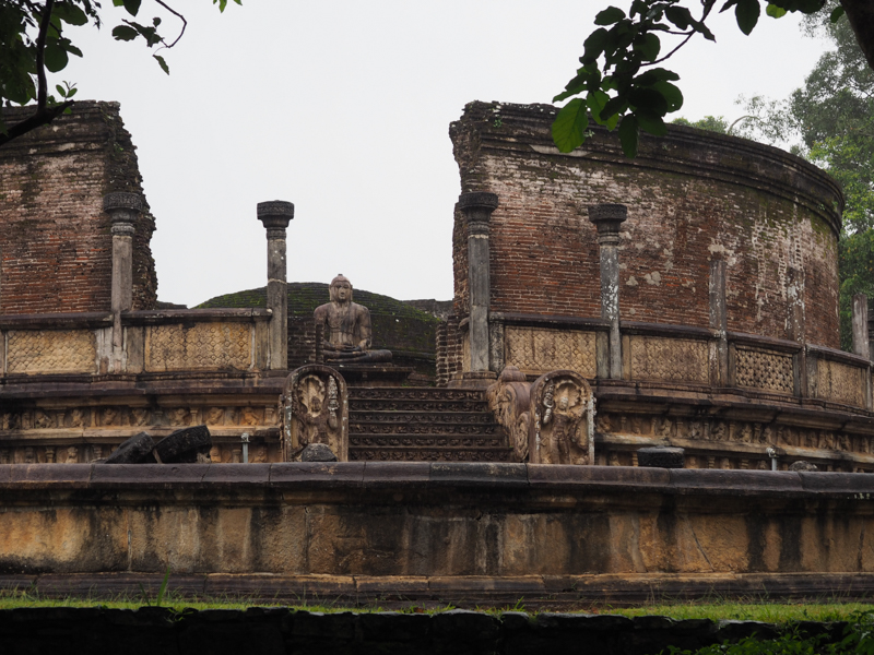 Promenande à Polonnaruwa, Sri Lanka