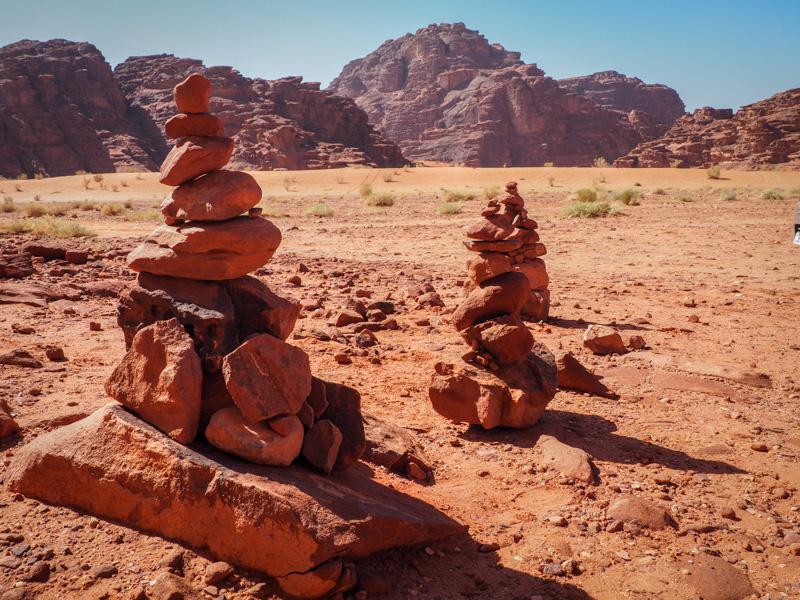 Cairns dans le Wadi Rum