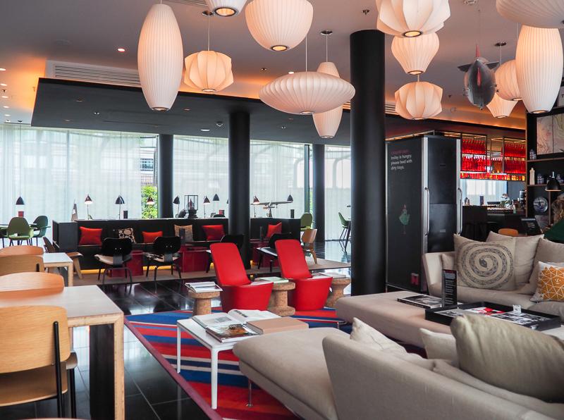 Lobby de l'hôtel Citizen M à Paris