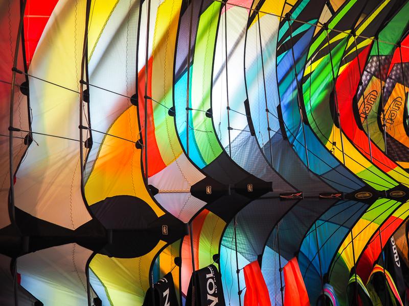 Cerfs-volants de couleur à la Boutique Au Gré du Vent