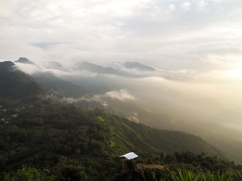 Vue du sommet du Indian nose au Lac Atitlan