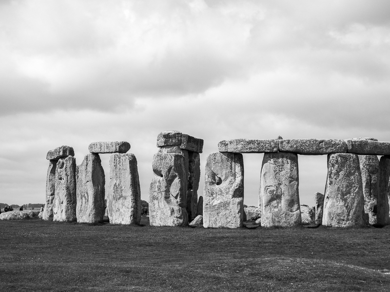 Photo en noir et blanc de Stonhenge