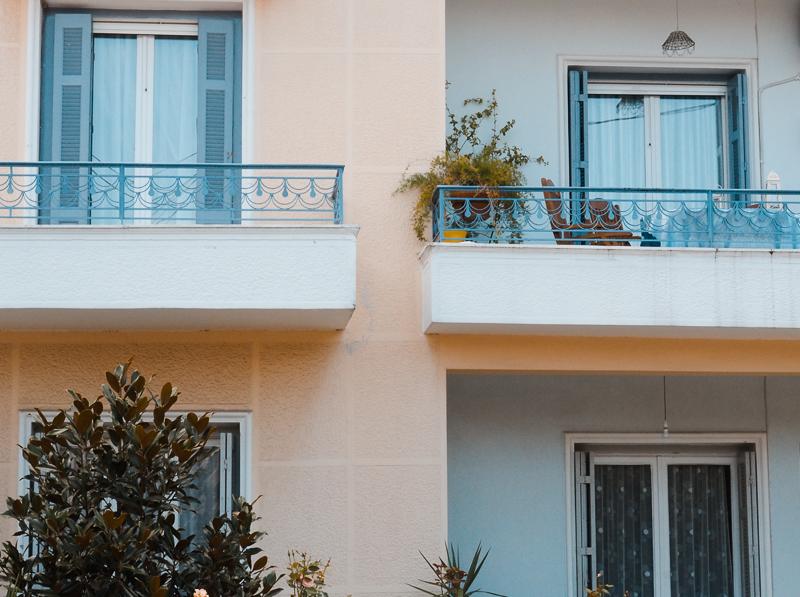 Bâtiments colorées à Trikala en Grèce