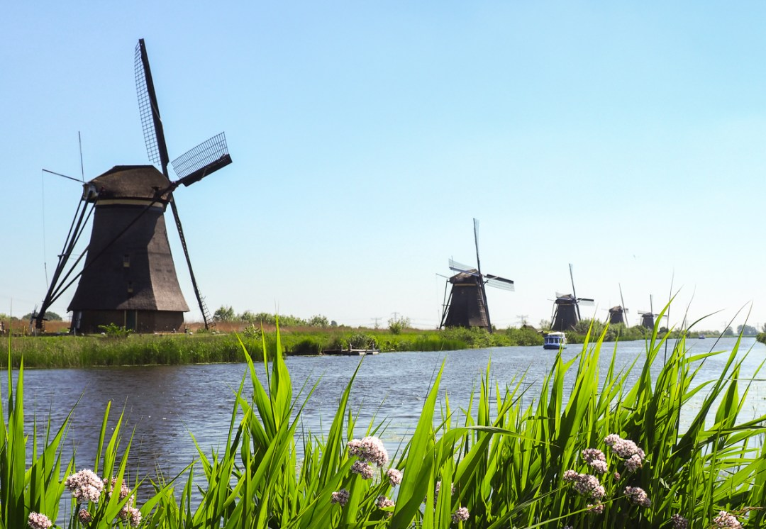 Moulins à vent de Kinderdijk au Pays-Bas, un site au patrimoine de UNESCO