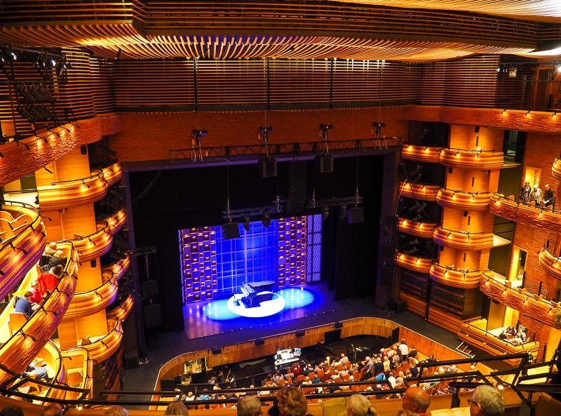 À visiter à Cardiff: le Wales Millenium Center pour y voir des comédies musicales
