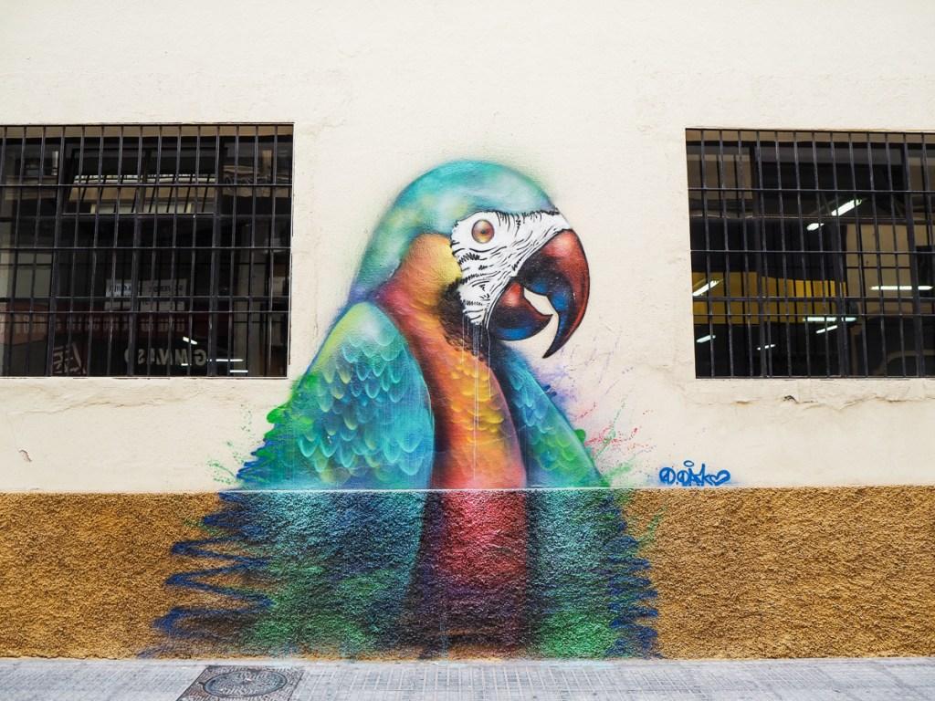 Art de rue à Malaga - Perroquet géant